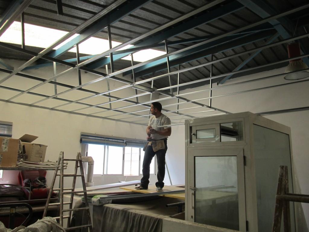 Falso techo pladur decoraciones llamas - Como colocar un techo de pladur ...